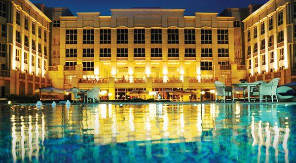 فندق 5 نجوم بالكويت يطلب مؤهلات عليا و متوسطة